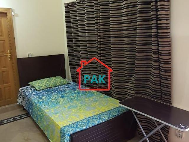 AC rooms available for girls in g-11 islamabad